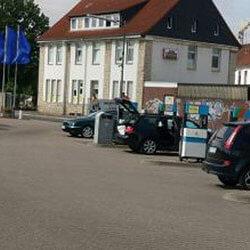 Pflegeplätze-Autowaschbär-Die-Auto-Waschanlage-in-Hildesheim